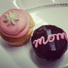 Pink Champagne and Strawberries Cupcakes and Ava's Hostette Cupcake....Ready for #mothersday!