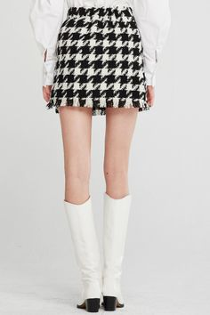 Shop Lori Houndstooth 2 Piece Set at storets. Discover more Co-Ords & Sets bloggers approved as seen on Instagram Hounds Tooth, Co Ord, M Color, Skirt Set, High Waisted Skirt, Cute Outfits, Mini Skirts, Model, Sleeves