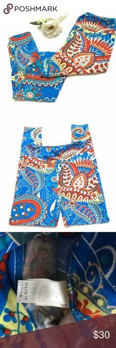 LULAROE Red Blue Paisley Leggings OS LULAROE Red Blue Paisley Leggings OS - lightly worn, slight wash wear. One size. LuLaRoe Pants Leggings
