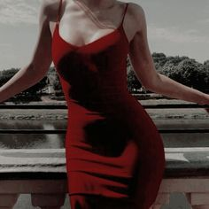 ℰ𝓇ℯ𝓈 𝓂𝒾́𝒶 𝒷ℯ𝒷ℯ́, 𝓉𝒶𝓃 𝓂𝒾́𝒶 𝒮ℯ 𝒷𝓊ℯ𝓃𝒶 𝓃𝒾𝓃̃𝒶 𝓎 ℴ𝒷… # Fanfic # amreading # books # wattpad Red Aesthetic, Aesthetic Clothes, Camilla, Moda Fashion, Womens Fashion, Looks Style, My Style, Mode Vintage, Look Cool