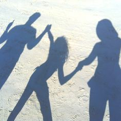 such a cute idea to take with friends at the beach ! just line up together on a hot and sunny day and snap a pic of the shadows u make ! sweet !