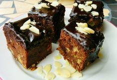 IMG_20150301_130431 Vegan Sweets, Sweets Recipes, Vegan Desserts, Bakery Shop Design, Good Food, Yummy Food, Sugar Free Desserts, Raw Vegan Recipes, Dessert Drinks