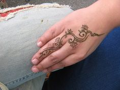 Lotus hand by henna lion, via Flickr