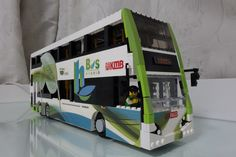LEGO MOC: ENVIRO 500 MMC Hybrid Bus in Hong Kong Lego Bus, Lego Lego, Amazing Lego Creations, Lego Vehicles, Lego Trains, Lego Architecture, Custom Lego, Lego Ideas, Public Transport