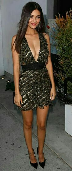 Nice legs Much More Volatile Victoria Justice Vicky Justice, Gorgeous Women, Beautiful, Nice Legs, Belle Photo, Sexy Dresses, Hot Girls, Mini Skirts, Celebs