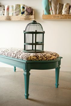 I love this, but no instructions. How to do the cushion on top?
