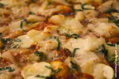 Wos zum Essn: Zucchini-Ananas-Basilikum-Pizza