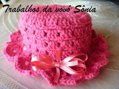 Trabalhos da vovó Sônia: Gorro (chapeuzinho) rosa para menina - croché