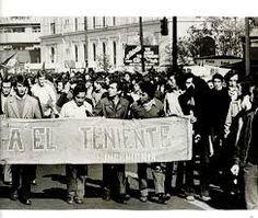 Estudiantes en marcha de apoyo a Mineros, 26 de junio de 1973