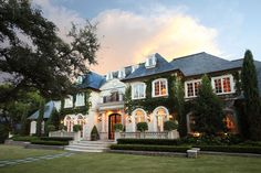 mansion mansion exterior The 10 Most Beautiful Homes in Villa Design, House Design, Beautiful Homes, Most Beautiful, Beautiful Bedrooms, Absolutely Stunning, Dream Mansion, Dream Houses, Dream House Exterior