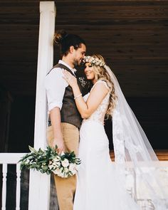 I'm thankful everyday because I get to do my dream job. Being a photographer is so much fun and I get to meet so many amazing people! Not to mention I also get to photograph beautiful couples like Alana & Justin pictured here. Talk about dreamy