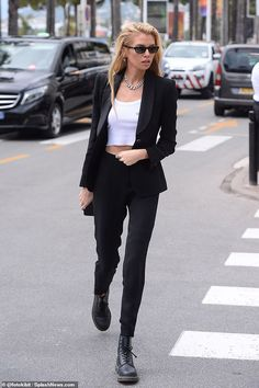 Stella Maxwell teases her toned abs in cropped vest at Cannes Stella Maxwell, Dr Martens Outfit, Winter Outfits, Casual Outfits, Cute Outfits, Fashion Outfits, Rock Outfits, Emo Outfits, School Outfits