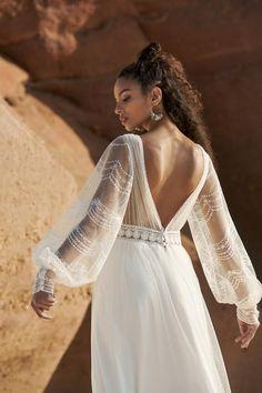 Boho Chic Wedding Dress, Open Back Wedding Dress, Lace Wedding Dress With Sleeves, V Neck Wedding Dress, Dress Lace, Rembo Styling, Lace Dress Styles, Marie, Dress Vintage