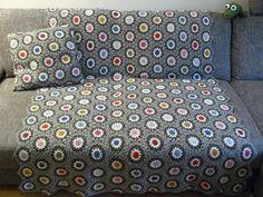 rosa p.: isaLaBella's grey hexagon blanket.