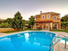 Search for more Villas in Crete and Greece. Find the ideal accommodation for your vacation Ellesse, Luxury Homes, Greece, Tours, Vacation, Explore, Outdoor Decor, Home Decor, Crete