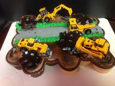 Dump_Truck_Cupcake_Cake