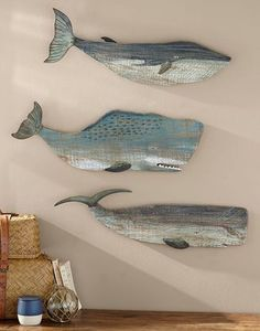 cool Décoration mural - Painted Wood Whales Wall Art