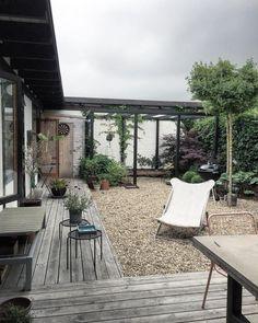 Unfamiliar patio garden gazebo tips for 2019 Outdoor Rooms, Outdoor Gardens, Outdoor Living, Outdoor Decor, Indoor Gardening, Patio Gazebo, Backyard Landscaping, Patio Interior, Terrace Garden