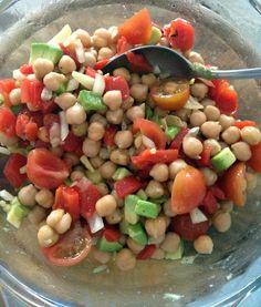 salatka z ciecierzycy