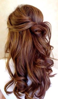 The 5 Most Gorgeous Hair-Color Ideas for Brunettes The 5 most beautiful hair color ideas for brunettes Curly Prom Hair, Curly Hair Styles, Easy Wedding Guest Hairstyles, Hair Styles Wedding Guest, Hair Ideas For Wedding Guest, Hairstyle Wedding, Wedding Dresses, Wedding Ideas, Gorgeous Hair Color