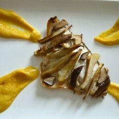Filetti di branzino ai funghi porcini con purea di ceci allo zafferano. Condivisa da: http://www.manineinpasta.com/
