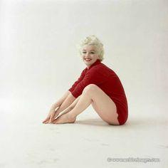 Marilyn Monroe photographiée par Milton H Greene, en 1955 ; cette séance a été prise dans la grange de Greene, transformée en studio, à...