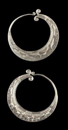 Vietnam - Lao Cai, Bac Ha | Pair of earrings from the Hmong Lenh (Flower Hmong) women; silver.   // ©Quai Branly Museum. 71.1994.45.48.1-2