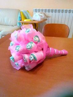 Torta di pannolini bouquet diaper cake