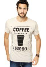 Camiseta FiveBlu Reta bege, com modelagem reta e mangas curtas.Confeccionada em tecido leve, proporciona maior conforto.Medidas do Modelo: Altura 1,87m / Tórax 100cm / Manequim 40/42.