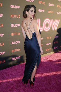 Alison Brie Gets Husband Dave Franco's Support at Netflix's 'Glow' Premiere!: Photo Alison Brie hits the red carpet with her husband Dave Franco at the premiere of her new Netflix series Glow on Wednesday night (June in Los Angeles. Beautiful Female Celebrities, Beautiful Women, Beautiful Eyes, Beautiful Things, Alison Brie Glow, Navy Evening Dresses, Prettiest Actresses, Hot High Heels, Instagram Models