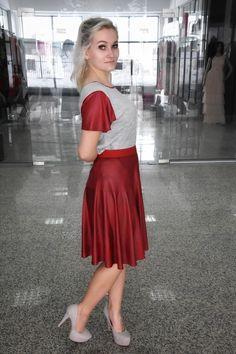 Waist Skirt, High Waisted Skirt, Leather Skirt, Facebook, Skirts, Fashion, Moda, High Waist Skirt, Skirt