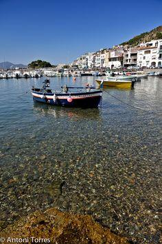 Barques al Port de la Selva, Catalonia_ Spain