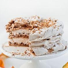 Cynamonowy tort bezowy z powidłami i orzechami Krispie Treats, Rice Krispies, Vanilla Cake, Nutella, Tiramisu, Baking, Ethnic Recipes, Food, Vanilla Sponge Cake