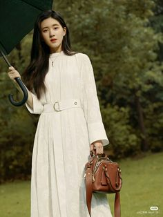 Korean Couple Photoshoot, Chinese Actress, Ulzzang, Cute Girls, Cold Shoulder Dress, Hair Beauty, Actresses, Shirt Dress, Pretty