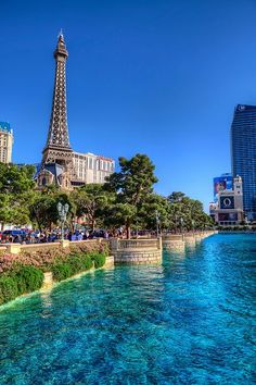 Advice On Where To Stay In Vegas. Do you know where to stay in Vegas? Best Places To Travel, Vacation Places, Best Vacations, Vacation Spots, Places To Go, Las Vegas Love, Las Vegas Strip, Las Vegas Nevada, San Diego