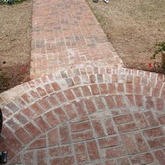 Rounded brick steps, can do combo stone and brick with lights Front Porch Steps, Small Front Porches, Front Walkway, Decks And Porches, Front Yard Landscaping, Backyard Patio, Front Entry, Brick Steps, Brick Pathway