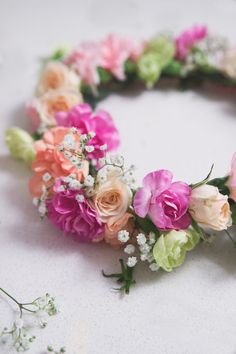 How to DIY a Flower Crown | thesarahjohnson.com