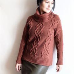 """В НАЛИЧИИ А также свяжу эту модель на заказ  _______________ Кашемировый свитер. Авторский дизайн, ручная работа Кашемир """"Piuma""""от итальянской фабрики Cariaggi. Кашемир шнурок, толстенький, тёплый и невероятно уютный. У самой любимый свитер точно такой же, но другого цвета  Редкий и необычный цвет розовой терракоты. Единственный экземпляр в таком цвете. 42-44 российский размер на рост до 160 см. 13800 руб. А также свяжу такую модель из этого кашемира, но другого цвета (наличие и цен..."""