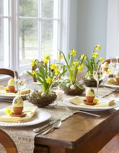 I like the idea of using the cute little pots for something.maybe filled with a couple of full tulip bouquets or something similar? Could be a fun Easter & Spring Table Decoration. Easter Table Settings, Easter Table Decorations, Decoration Table, Table Centerpieces, Easter Centerpiece, Spring Decorations, Table Arrangements, Centerpiece Ideas, Easter Flower Arrangements
