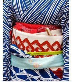 garoopatternandcolour:Detail of a geishas sash (obi)