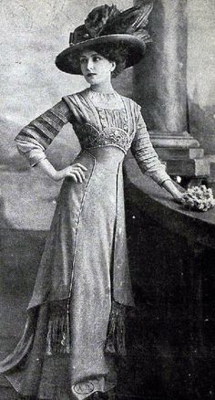 """Edwardian Fashion - 1909 The first decade of last century was known as the """"Beautiful Age"""" in fashion. Belle Epoque, 1900s Fashion, Edwardian Fashion, Vintage Fashion, Edwardian Style, Women's Fashion, Vintage Beauty, Edwardian Clothing, Edwardian Dress"""