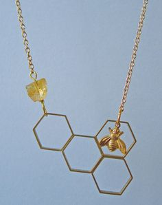 I'll Have A Bee Please, Bob! Honeycomb Necklace | Eclectic Eccentricity Vintage Jewelry