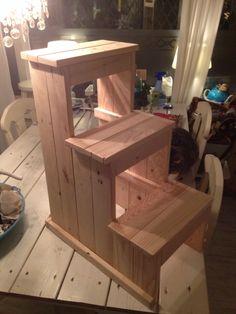Opstapje met 3 treden gemaakt van pallethout