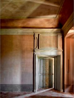 The Chateau de Moissac was built in the early century owing by a noble family from Provence. Barn Door In House, Beautiful Interiors, French Interiors, House Interiors, Wabi Sabi, Architecture Details, French Doors, Interior And Exterior, Interior Decorating