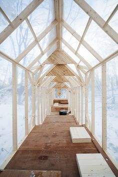 Fragile Shelter, designed by Hidemi Nishida, is a temporary shelter in the wild winter forest in Japan. This shelter leads people to gather together, and take part in a number of events and activities within the shelter. Users vary from local students having a party to kindergarten children going for lunch. This is a cozy base for winter activities.