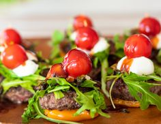 Sweet Pepper Bunless Sliders | DIVERSE DINNERS Cooking Sheet, Vinegar And Honey, Cocktail Sticks, Beef Patty, Hors D'oeuvres, Stuffed Sweet Peppers, Cherry Tomatoes, Sliders, Food Print