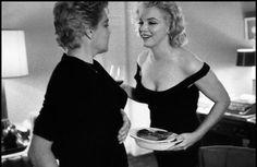 Davidson, Bruce:  Marilyn Monroe and Simone Signoret, 1960.