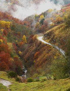The Enhedu road during high season