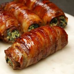 Involtini di carne e pancetta ripieni di ricotta e spinaci - Al.ta Cucina - Et Yemekleri - Las recetas más prácticas y fáciles Pork Recipes, Lunch Recipes, Healthy Dinner Recipes, Appetizer Recipes, Breakfast Recipes, Chicken Recipes, Cooking Recipes, Tasty Videos, Food Videos