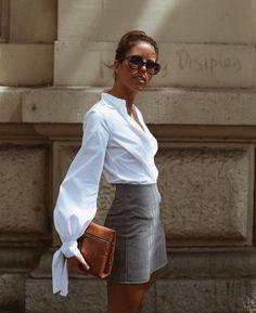 Hottest White Blouse Ideas That Looks Trend Fashion, Fashion Mode, Look Fashion, Korean Fashion, Fashion Outfits, Womens Fashion, Fashion Glamour, Office Fashion, Fashion Fall
